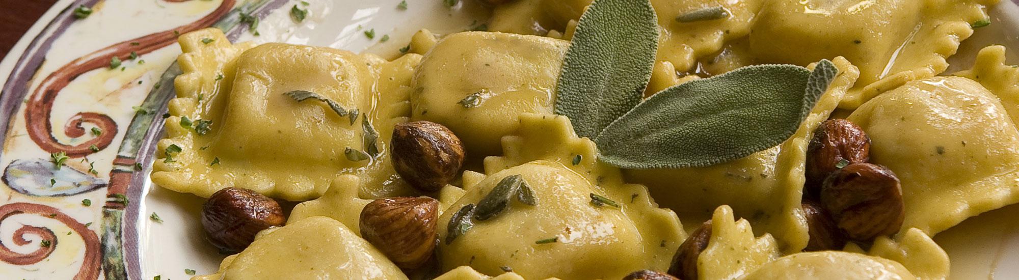 ricetta Tortelli di zucca in salsa di nocciole con pasta fresca