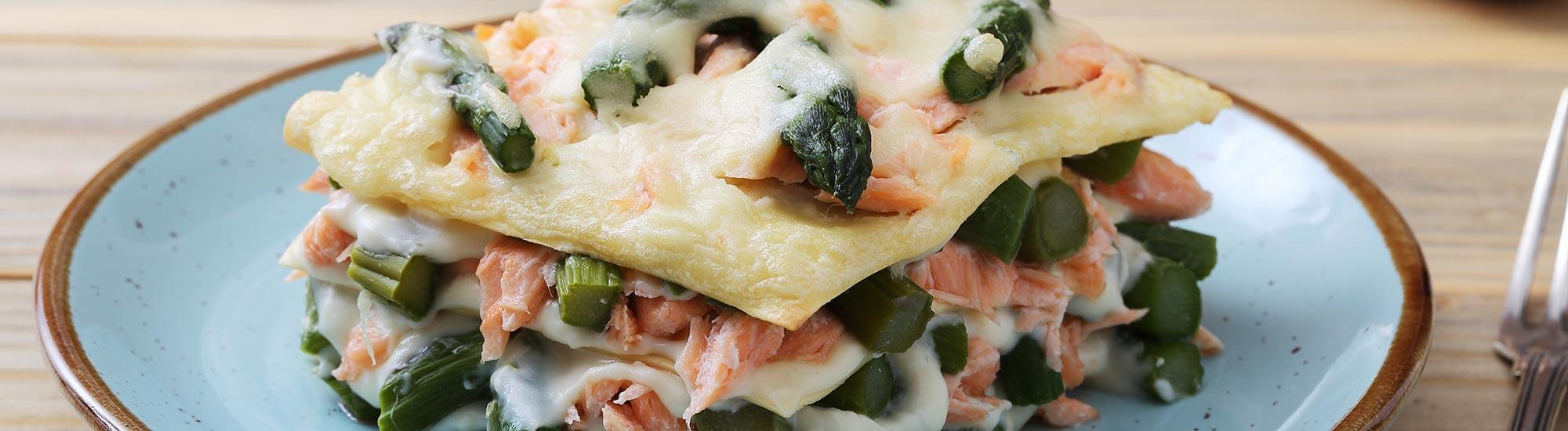 ricetta Lasagne con asparagi, salmone e gamberi con pasta fresca