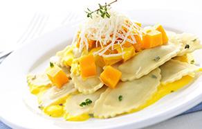Tortelli di zucca con crema allo zafferano e arancia