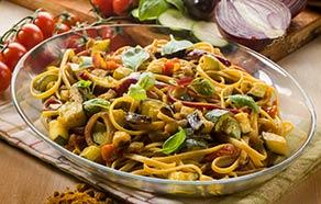 Tagliolini con zucchine, melanzane e curry