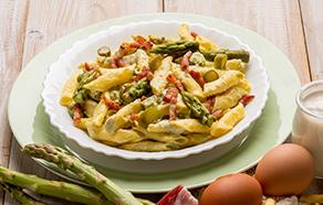 Garganelli con asparagi, panna e speck