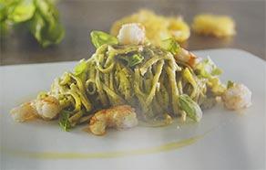 Tagliolini con Pesto e Gamberi