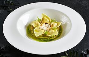 Tortelloni con ricotta, gamberetti e zucchine
