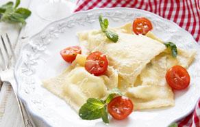 Robiolotti con Robiola Oro Zani con pomodorini e rucola