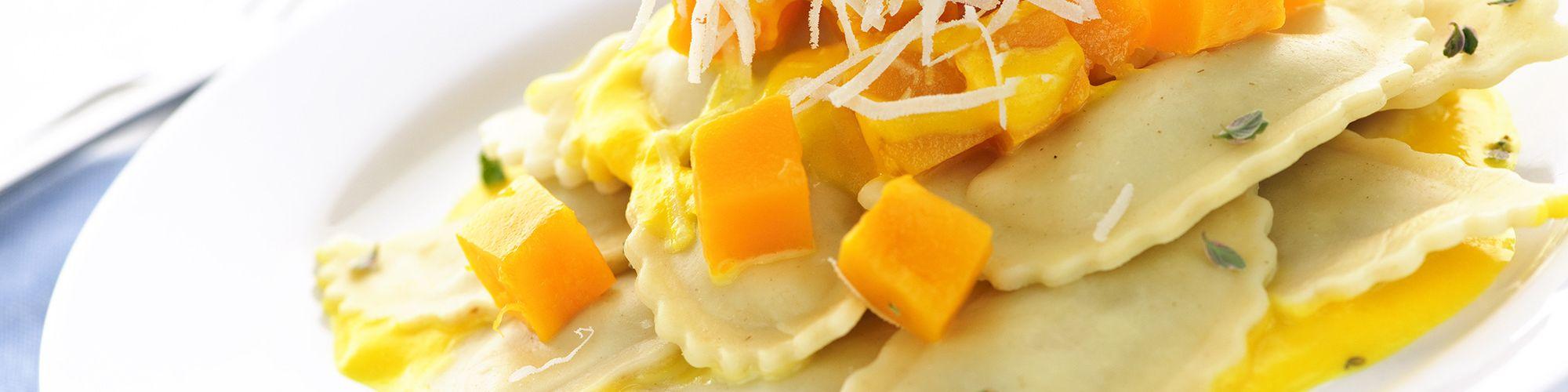 ricetta Tortelli di zucca con crema allo zafferano e arancia con pasta fresca