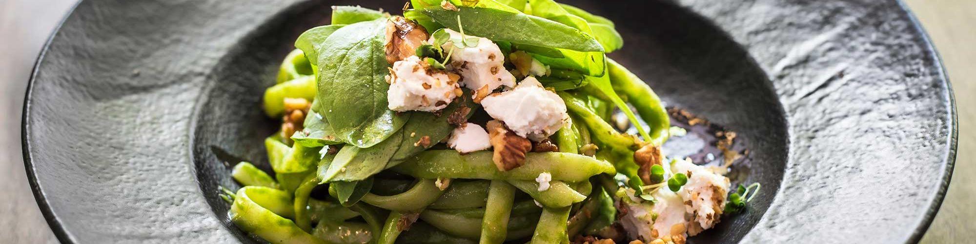 ricetta Tagliolini con pesto di pistacchi, spinaci e caprino con pasta fresca