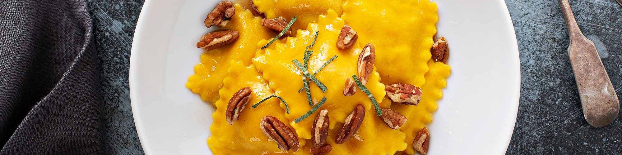 ricetta Tortelli di zucca al burro nocciola e noci pecan con pasta fresca