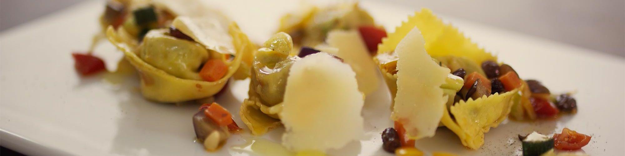 ricetta Tortelloni e caponata con pasta fresca