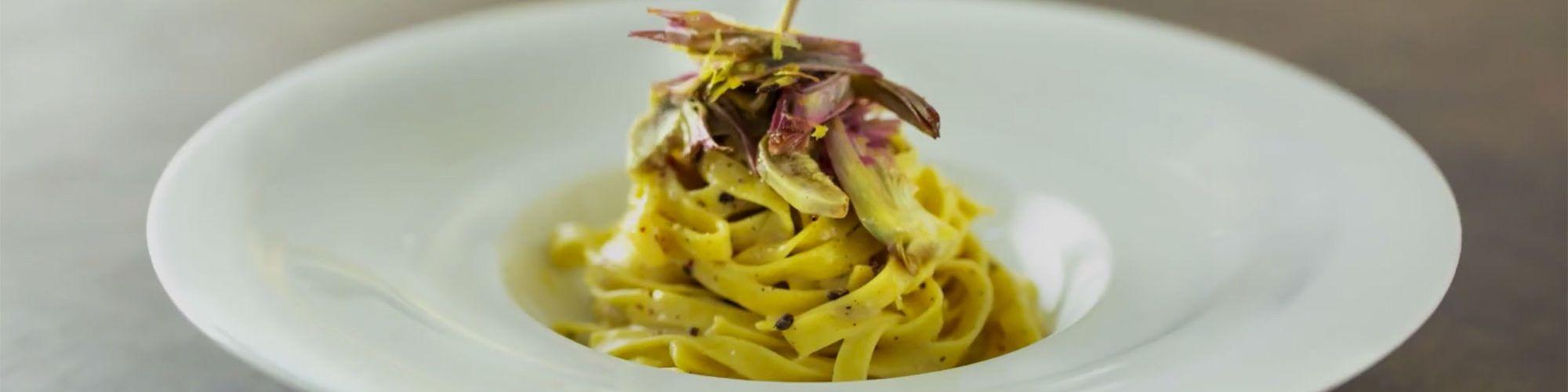 ricetta Tagliatelle ai 3 pepi e cacio con carciofi e limone con pasta fresca